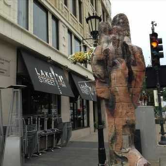 Photo of Lake Street Bar & Grill in Oak Park