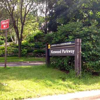 Photo of Kenwood Parkway in Lowry Hill, Minneapolis
