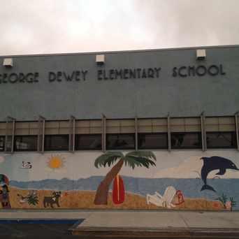 Photo of Dewey Elementary School in Midway District, San Diego