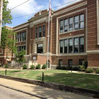 Photo of Peabody Elementary School in Memphis