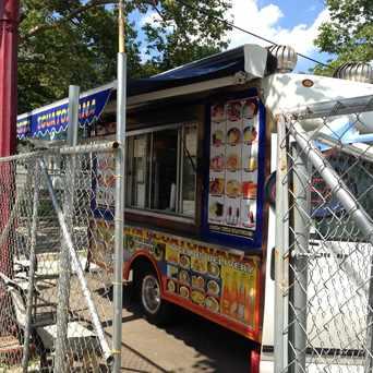 Photo of la comida ecuatoriana food truck in New Haven