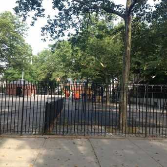 Photo of Public School 32 in Flushing, New York