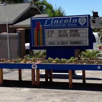 Photo of Lincoln Elementary School in Torrance
