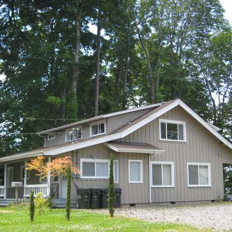 Photo of www.olympiafurnishedhomes.com Furnished Duplex Home in Olympia