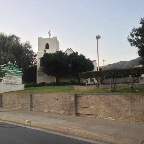 Photo of La Crescenta Lutheran Church in Crescenta Highlands, Glendale