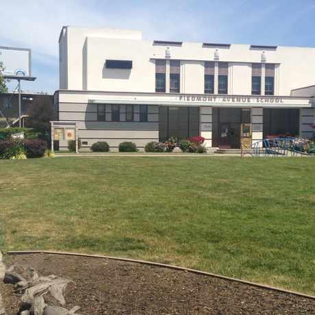 Photo of Piedmont Avenue Elementary School in Piedmont Avenue, Oakland