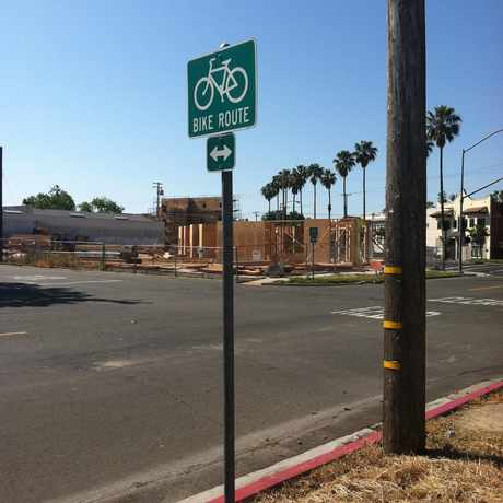 Photo of 34TH ST & 2ND AVE (NB) in North Oak Park, Sacramento