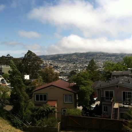 Photo of Addison St & Farnum St in Glen Park, San Francisco