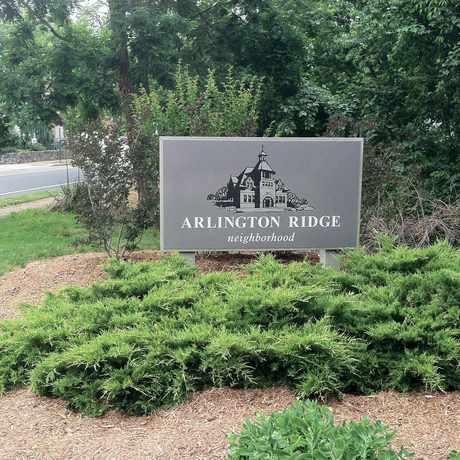Photo of Arlington Ridge Sign in Arlington Ridge, Arlington
