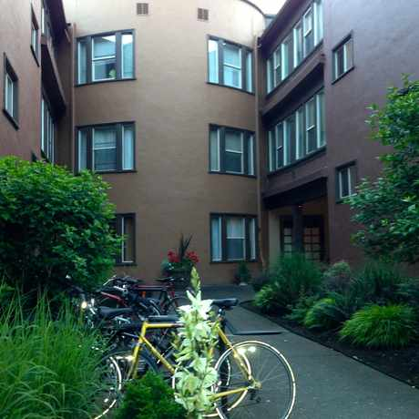 Photo of Waldorf Apartments in Irvington, Portland