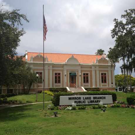 Photo of Mirror Lake Branch Public Library in St. Petersburg