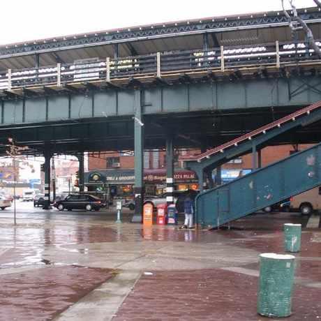 Photo of 3 Train in Astoria in Astoria, New York